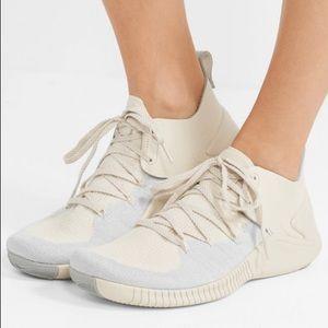 Nike Women's Free TR Flyknits Size 5.5